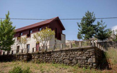 Casa de Cantoneiros de Poio Negro ou da JAE ou Casa-Abrigo das Penhas Douradas